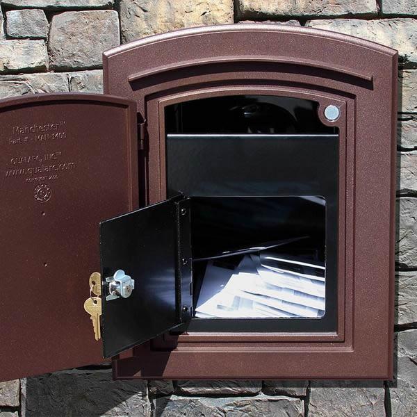 Manchester Locking Mailbox